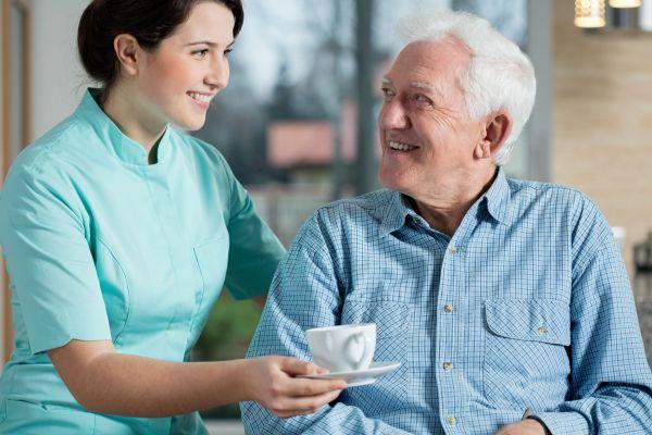 מדוע כדאי לעבור קורס מטפלות סיעודיות?