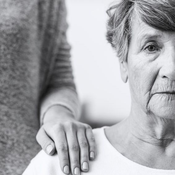 Basic Tips When You Are a Caregiver to a Dementia Patient