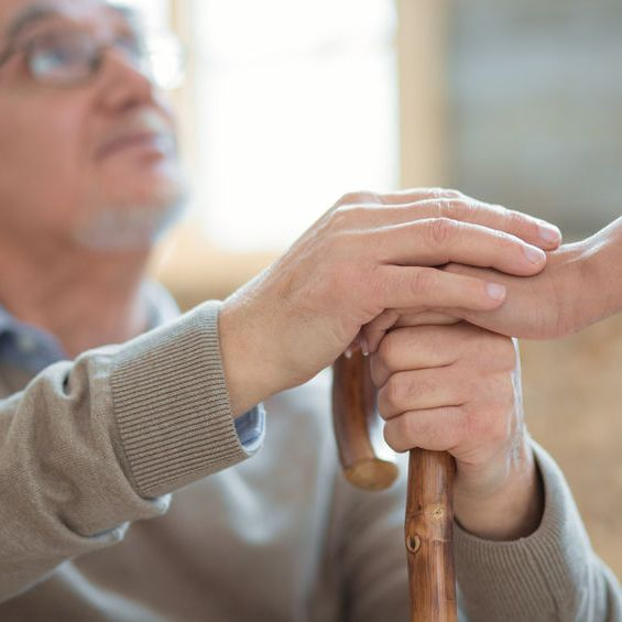 5 Effective Communication Tips to A Person with Dementia