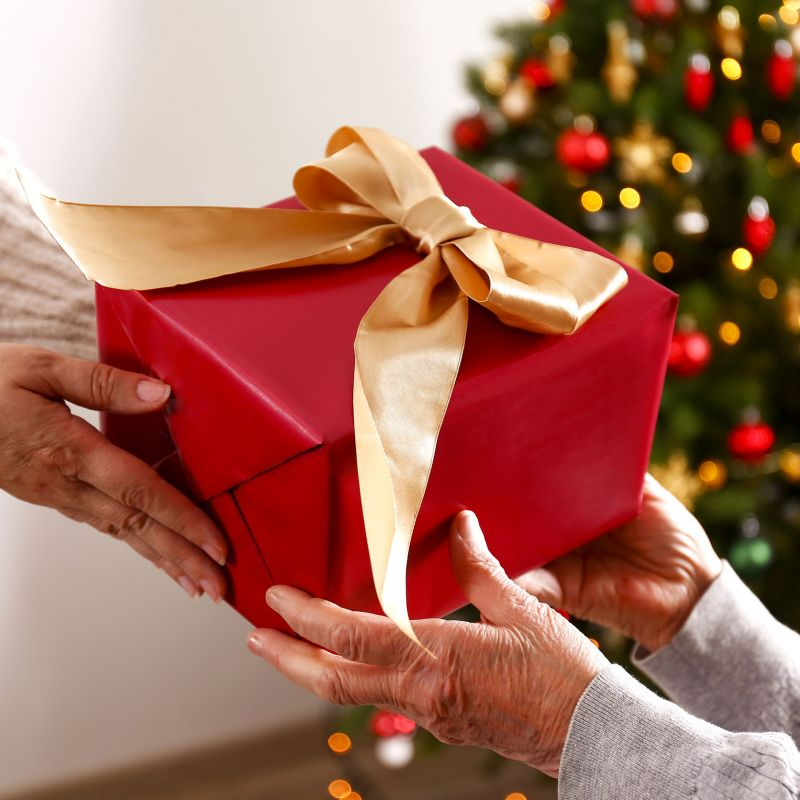 9 Best Gift Ideas for Dementia and Alzheimer's Patients