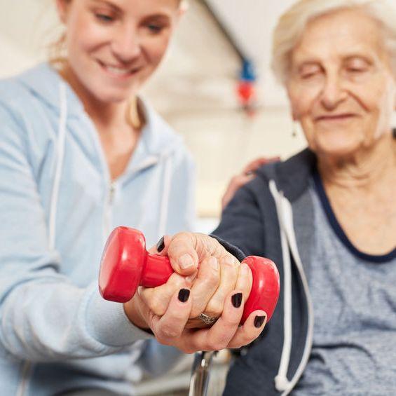 Падения в преклонном возрасте: причины и последствия