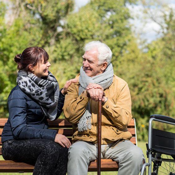 Общение с сиделкой на начальных этапах. Ключ к успеху в отношениях пожилого и подопечного.